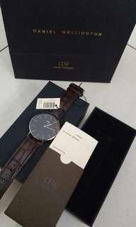 Daniel Wellington jam tangan pria