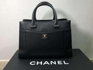 Chanel neo executive medium tote bag 黑色 返工袋 魚子醬皮