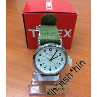 Timex T2P1459J Weekender Watch 軍綠色 美國原裝直送