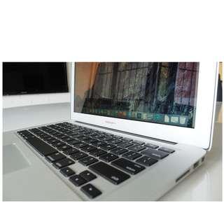 Macbook Air 13 core i5 256gb 8gb ram