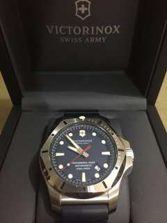 Jam Pria Victorinox I.N.O.X Professional Diver
