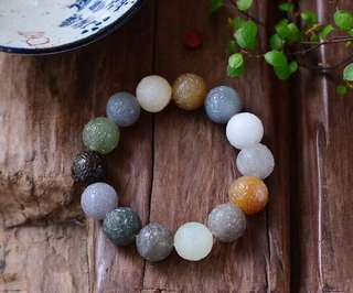 High quality natural and tianyu color 14 mm hand-carved osmanthus beads bracelet multiple treasures.