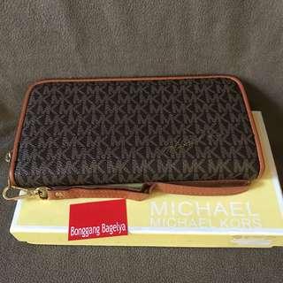 MK Zippy Wallet