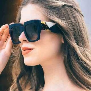Oversized Square Shaped Edge Cut Leg Sunglasses