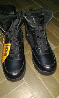 Sepatu outdoor 511