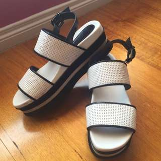Wittner White Flatform Sandals