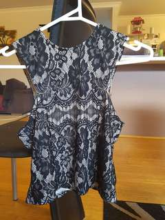 Lily Whyt size 8 black lace top