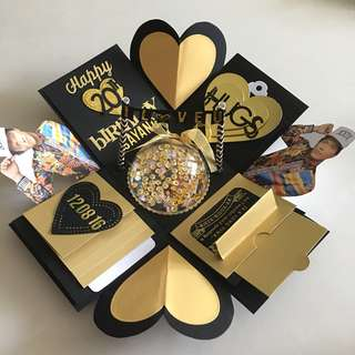 Idol explosion box with personalised photo shaker , 4 waterfall in black and gold