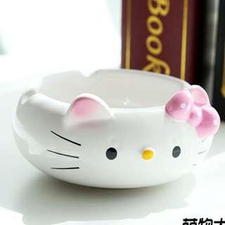 hello kitty ashtray ( instock )