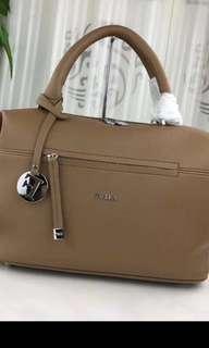 New-Furla 牛皮bag