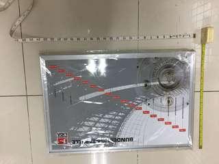 全新,未用過,掛式可用磁石告示板,約24吋X16 吋