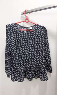 H&M Blue flower printed blouse