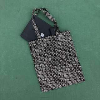 🚚 B/W Geometry Double Pocket Tote Bag