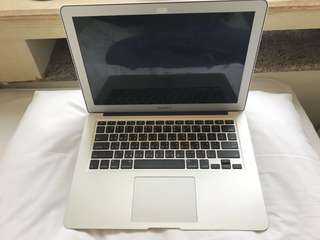 99%新2015年macbook air 只用數次 intel core i5@1.6ghz 8gb ram 256gb Ssd apple care