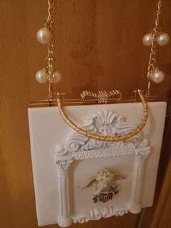 羅馬宮廷浮雕手袋Pouch