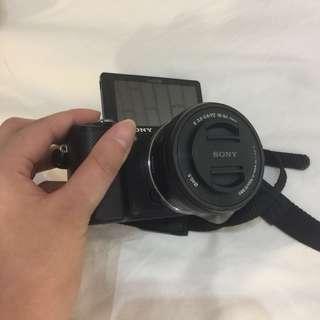 Sony a5000 Selfie / Vlogging Camera