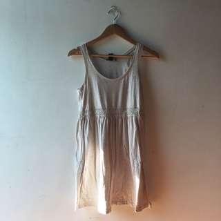 H&M Beige/Tan Lace Sleeveless Dress