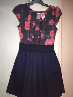 Guess rose dress (with pockets)