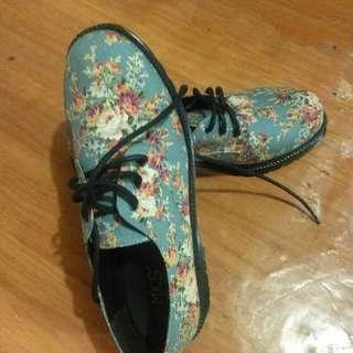 Sepatu mks
