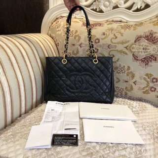 💯Authentic ♥️PRESTINE BLACK CAVIAR CHANEL CROSSBODY/HANDBAG♥️