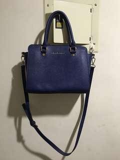 寶藍色包包