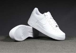 Air Force 1 Size 6 (youth)