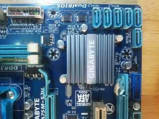 mobo gigabyte+A6 3500 procie+2gb ram 1333