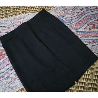 SM Woman Black Corporate Skirt