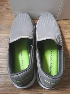 Skechers Memory Foam (Gray)