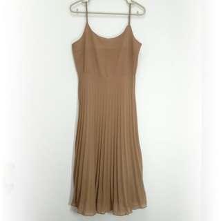【專櫃品牌】La MODE細肩帶洋裝。