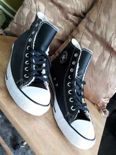 Converse Chuck Taylor All Star Chelsee Leather in Black