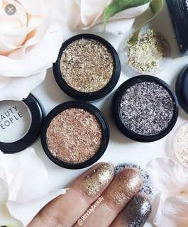 Beauty People Gold Eyeshadow