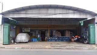 Pegawai di Toko Mitra Bandung