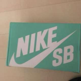 NIKE SB Blazer 9.5 急售價錢可小殺