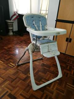 Foldable baby chair