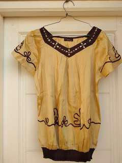 Blouse with no brand
