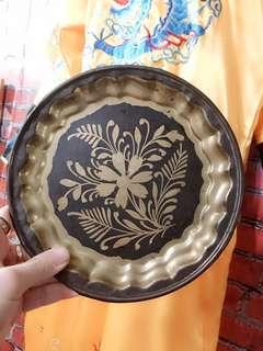 Muslim design plate