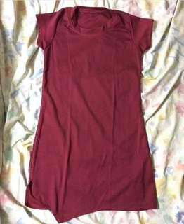 Basic dress with slit