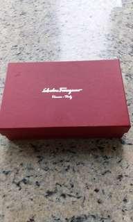 Salvatore Ferragamo 銀包 (原價5950元)