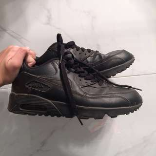 ✨REDUCED✨Nike Leather Air Max 90