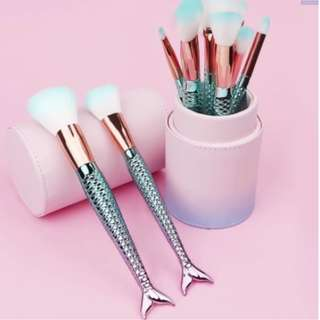 Mermaid Makeup Brush Set of 10 + Ombre Casing