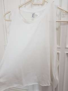 H&M Basics - White Muscle Tee Cropped Top