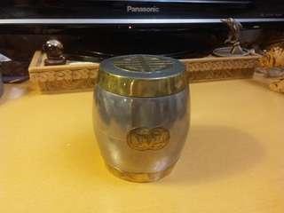 早期香港製造 錫茶罐~(黃銅包邊及壽字圖案)
