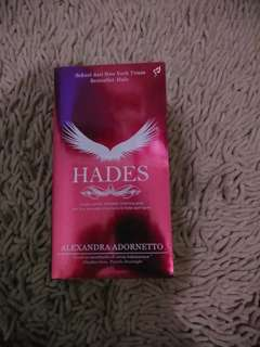Novel Hades karya Alexandra Adornetto