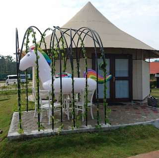 Inflatable unicorn float for rent