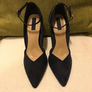 FOREVER 21 Navy blue pointed heels