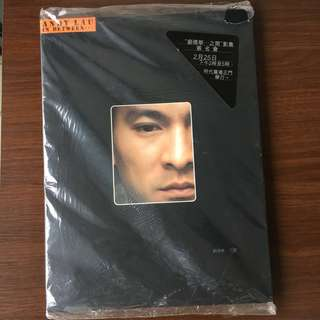 Andy Lau 「劉德華...之間」親筆雙簽名寫真集