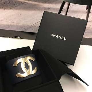 全新 Chanel Big CC logo Bangle