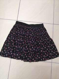 H&M flowy floral skirt