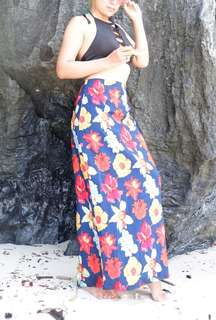 Bundles Crisscrossed Bikini Top x Floral Long Skirt